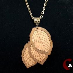 Collier feuilles en bois...